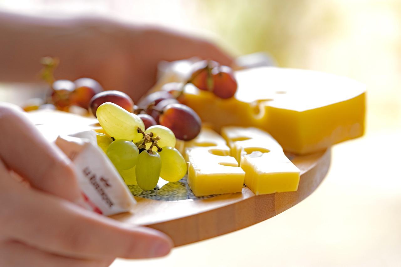 cheese platter, food, snack-6153496.jpg